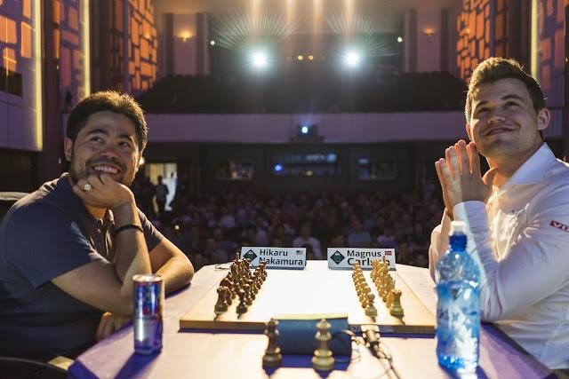 Nakamura y Carlsen durante el Grand Chess Tour París