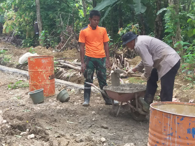 Sinergitas TNI-POLRI Jadi Panutan Masyarakat di Lokasi TMMD Kodim 1407/Bone