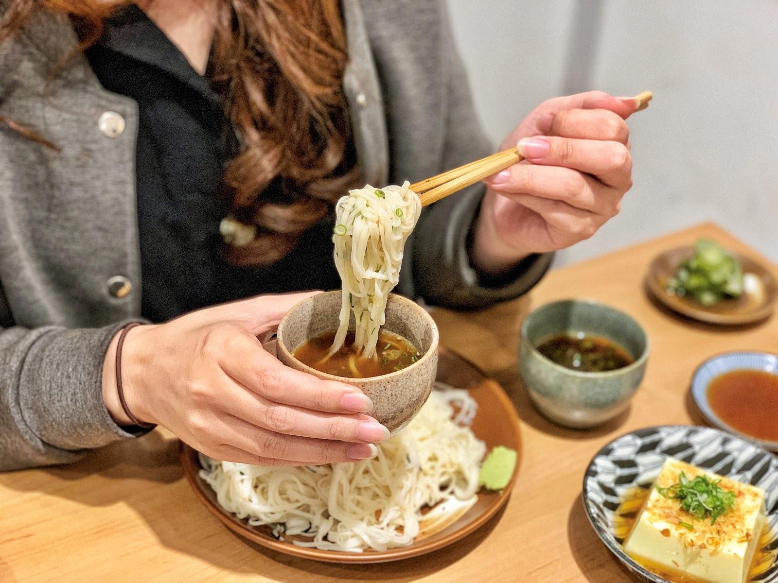 台南南區美食【胡攪蝦餃 金華店】京都沾麵餐點