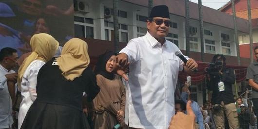 Dengan Nada Bercanda, Prabowo Sentil Panitia Pidato Kebangsaan di Kampus UKRI