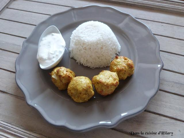 Boulettes de poulet au curry et sa sauce au yaourt