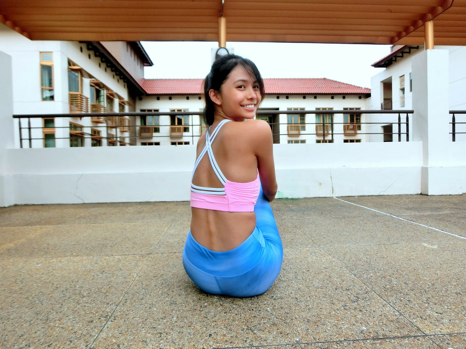 8d4a3c3806cec8 I chose the Cross Cut Sports Bra in sweet pink (SGD 38) and Full Length  Active Tights in marine blue (SGD 48)