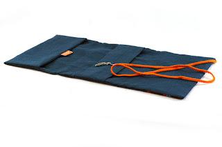 couvre livre fait main original avec fermeture lanière