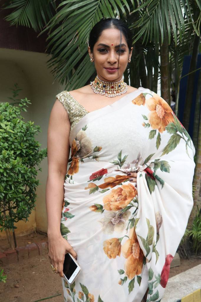 Sriya Reddy At Andava Kaanom Movie Audio Launch Stills