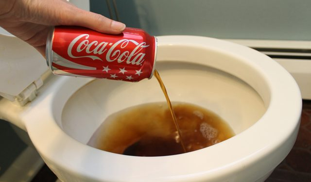 20 Practical Uses Of Coca Cola: This Proves That It Is Not Made For The Human Body