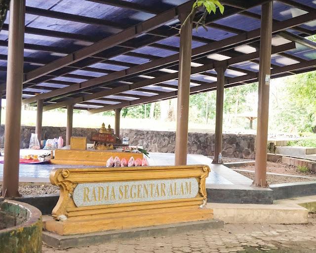 Jelajah Palembang ziarah makam raja
