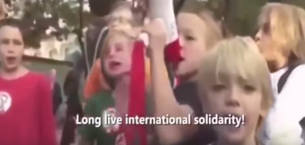 ΠΑΡΤΕ ΠΡΩΤΑ ΤΑ ΧΑΠΙΑ ΣΑΣ ! Δείτε πως κατάντησαν τα γερμανικά σχολεία με τα προσφυγόπουλα! (ΒΙΝΤΕΟ ΜΕ ΕΛΛ. ΥΠΟΤ