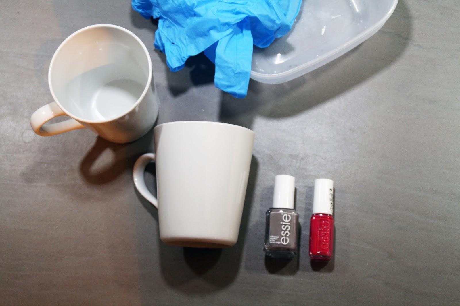 sehnsuchtssachen tassen marmorieren mit nagellack. Black Bedroom Furniture Sets. Home Design Ideas