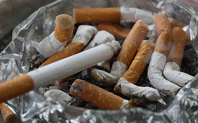 Bahaya Langsung Merokok Saat Berbuka Puasa