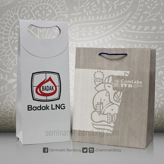 Pesanan paperbag custom dari PT Badak LNG dan ComLabs ITB