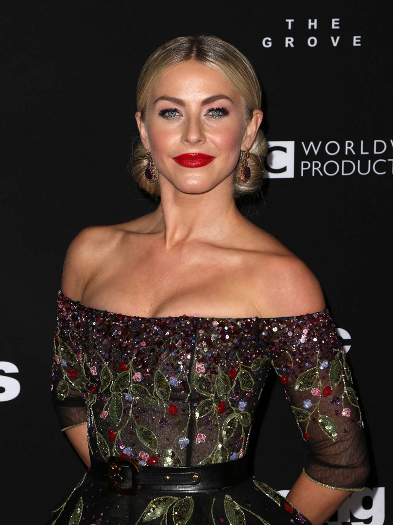 Julianne Hough goes strapless for Dancing With The Stars Season Finale