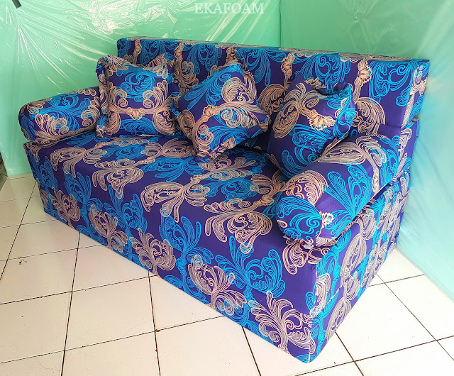 Sofa bed inoac dengan motif Eterna