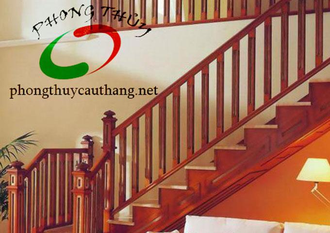 Cầu thang gỗ nhà 1 tầng