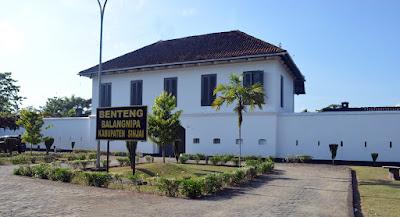 Benteng Balangnipa wisata sejarah dan budaya cantik indah keren murah wisata jalan jalan