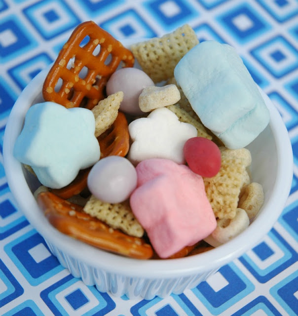 Fourth of July Snack Mix for Kids