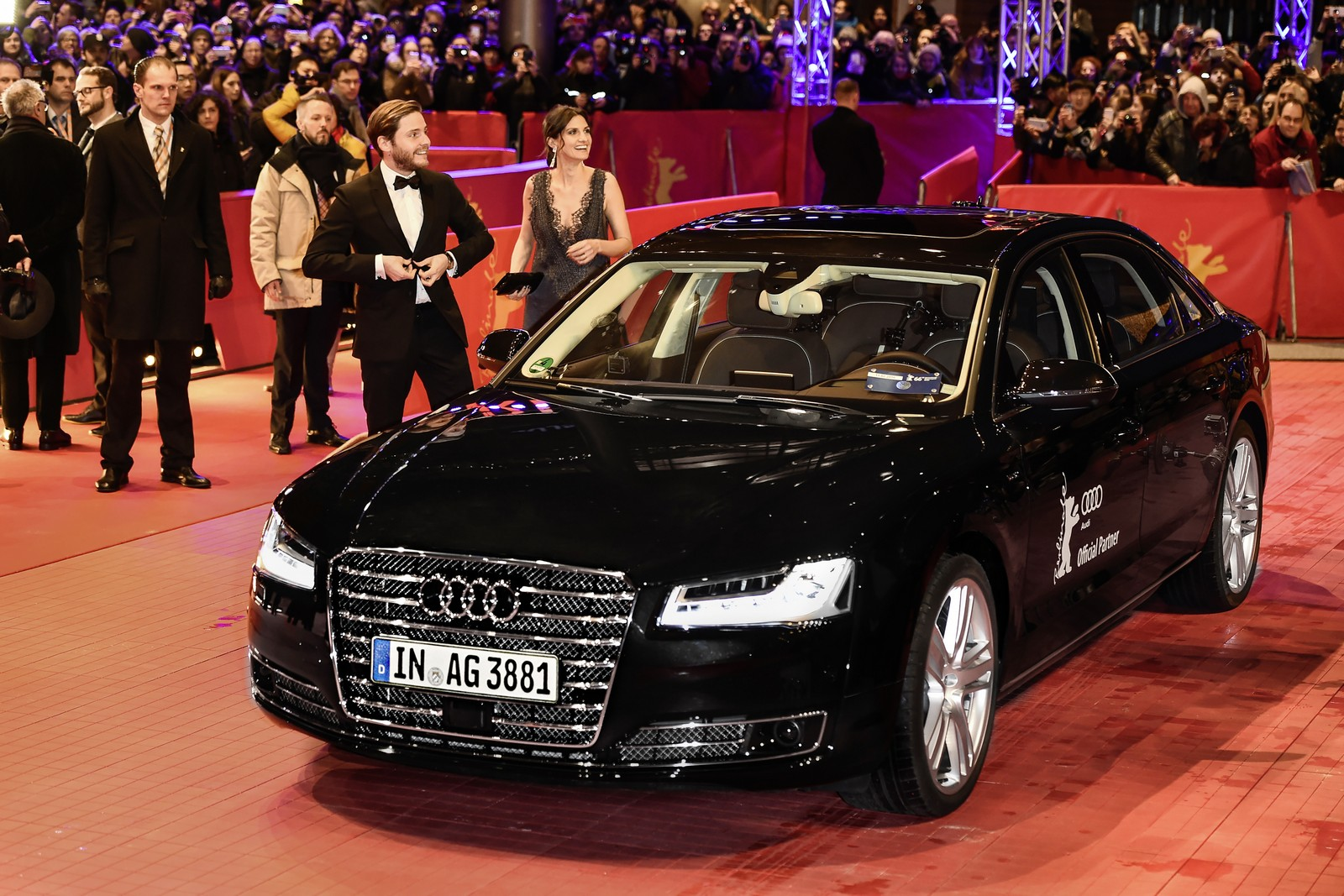 autonomous audi a8 l w12 takes actor daniel br hl to german film festival. Black Bedroom Furniture Sets. Home Design Ideas