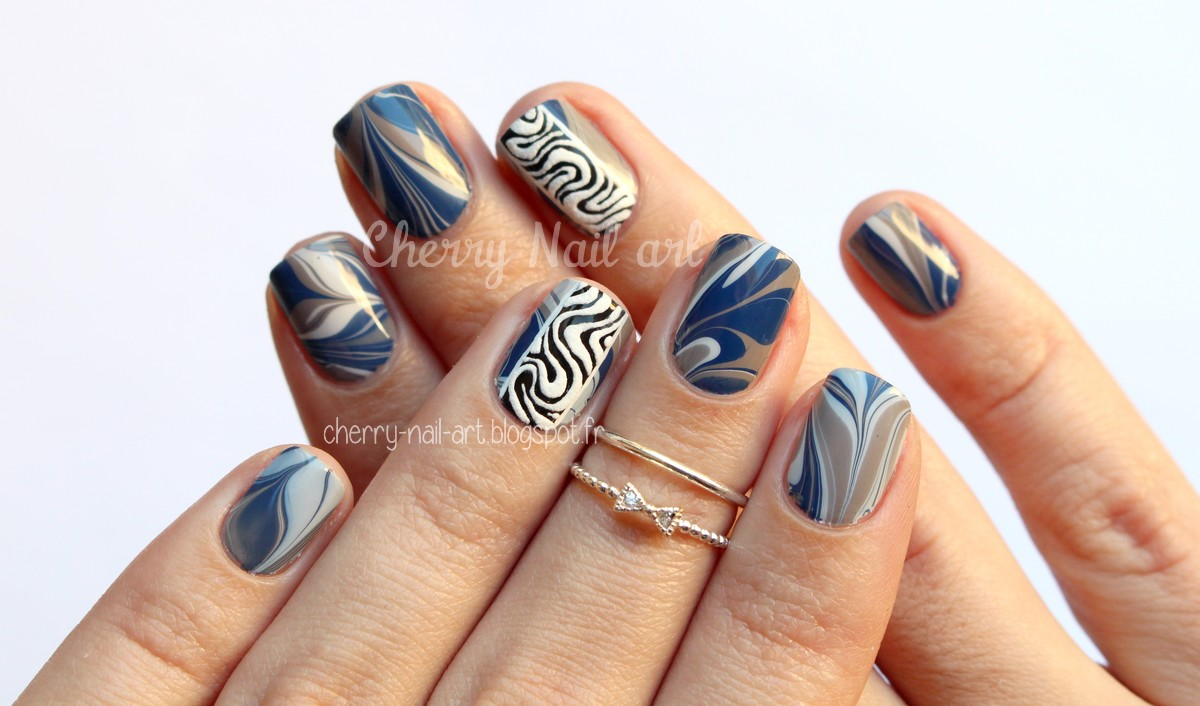 nail art water marble et abstrait en relief