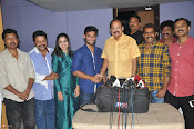 VenkaiahNaidu Watches Chuttalabbayi Movie-thumbnail-6