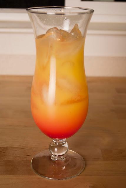 malibu sunrise, cocktail, malibu rum, coconut rum, orange juice, greneadine