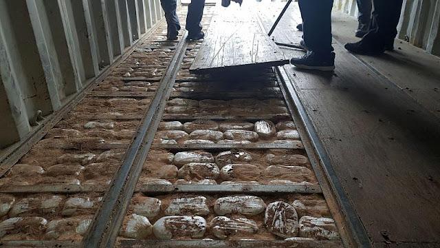 Ρεσάλτο του λιμενικού σε πλοίο - Κατασχέθηκαν ναρκωτικά αξίας άνω των 100 εκατ. ευρώ (βίντεο)