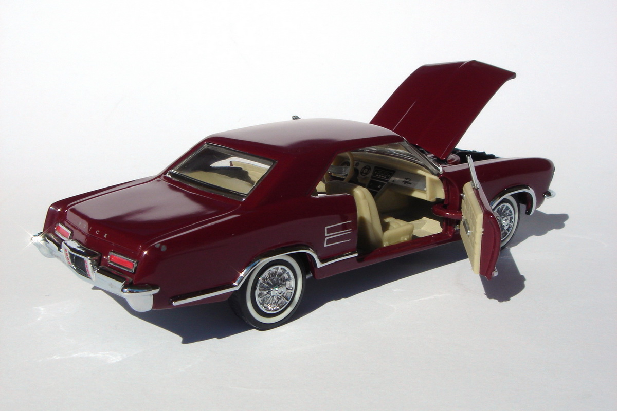American Icons 143 Collection 1963 Buick Riviera By Franklin Mint 1950s And 1960s