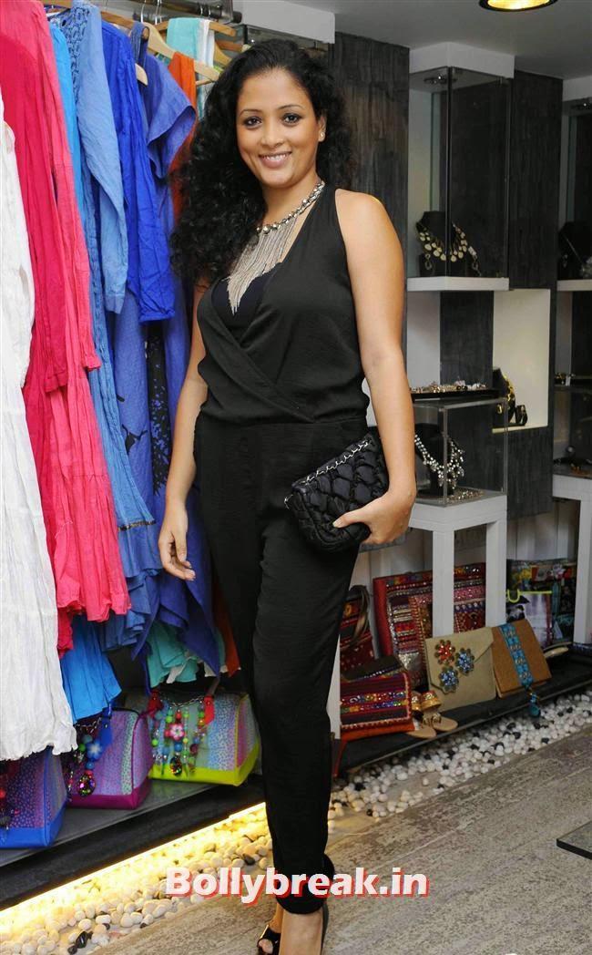Kavita Sachdev, Akanksha Agarwal at 'YOU Presents Resort Wear Collection'