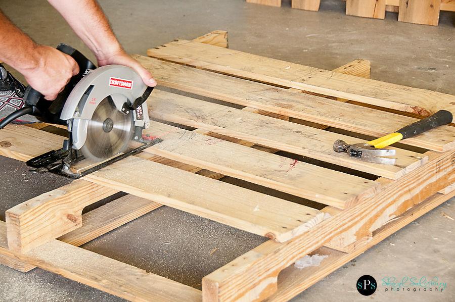 construir con palets un sof balanc n. Black Bedroom Furniture Sets. Home Design Ideas