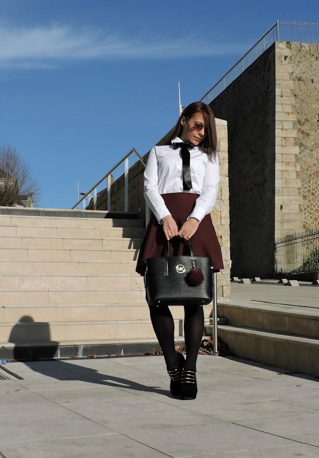 outfit-burdeos-y-blanco
