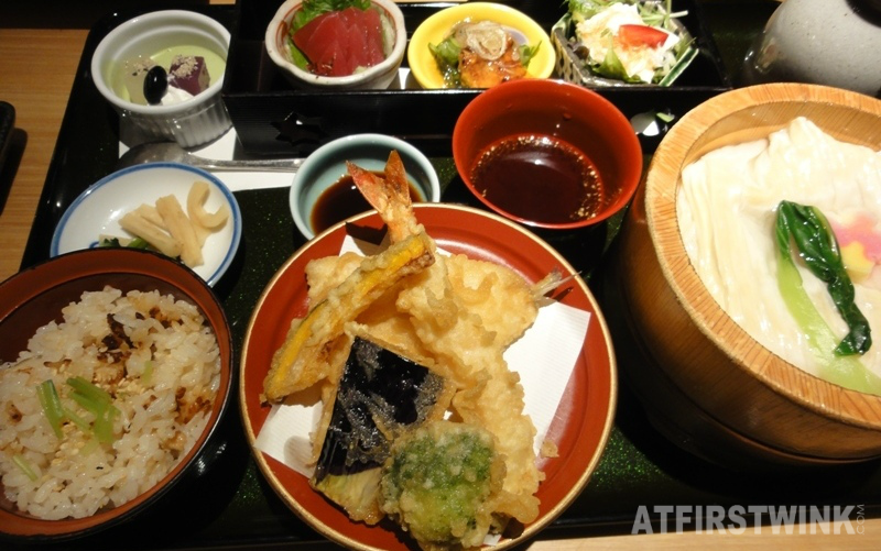 Dinner set at Mimiu (美々卯) Shinsaibashi