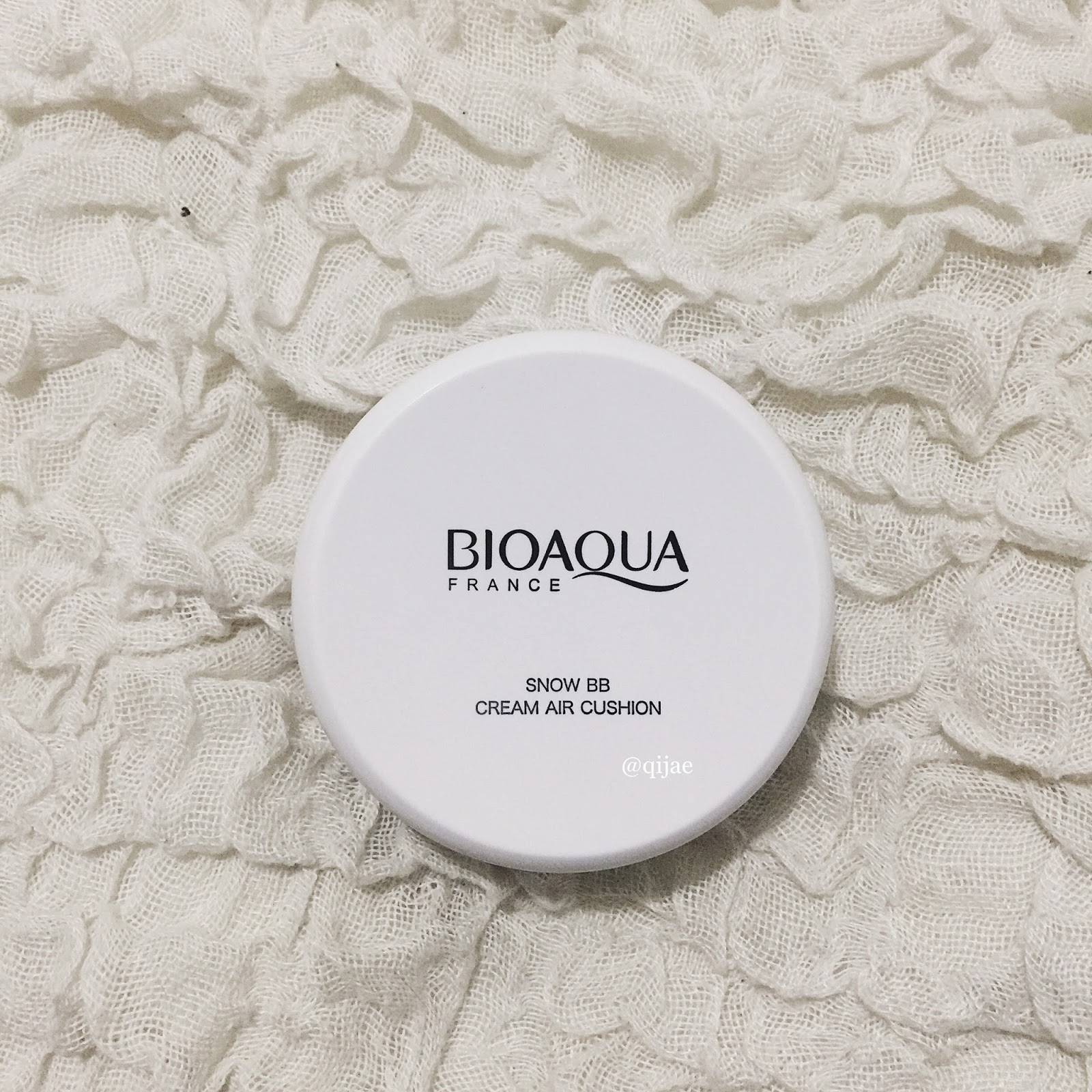 Mylifeasqijae Review Bioaqua France Cream Air Cushion Extreme Base Bio Aqua Aircusion Its A Normal White Compact Made Of Plastic It Looks Boring And Easy To Get Dirty I Already Messed Up Inside The But With That Price