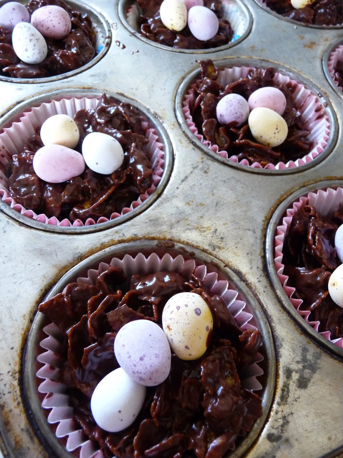 Wheat Egg Shredded Easter Cakes