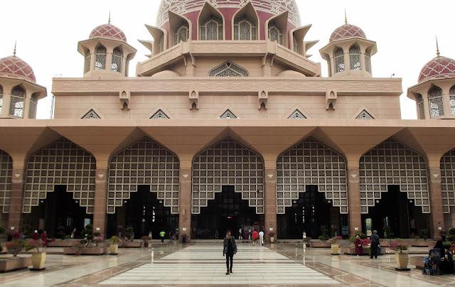 Pengalaman Backpacker Sendiri Ke Malaysia Dengan Berbagai Kekonyolan, Kebodohan dan Penipuan (Bagian 2)