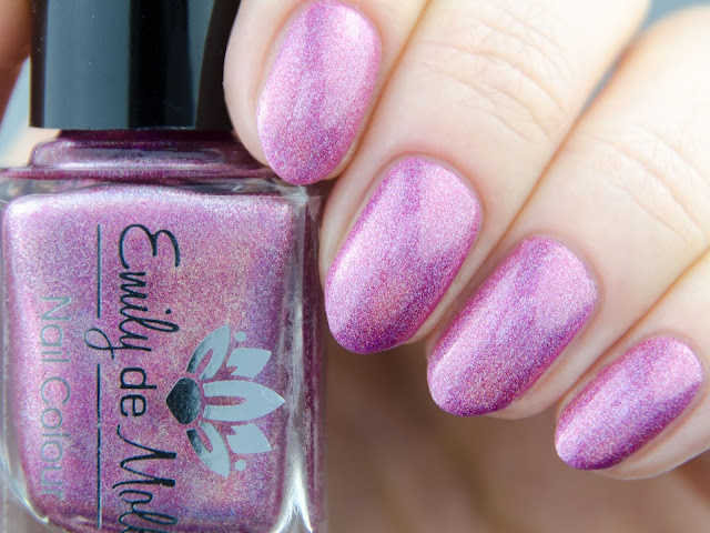 Emily de Molly A Veiled Promise swatch