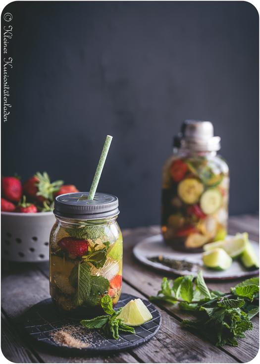 Gurken-Erdbeer-Caipirinha-Eistee