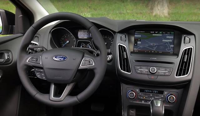 Novo Ford Focus EcoBoost Automático - interior