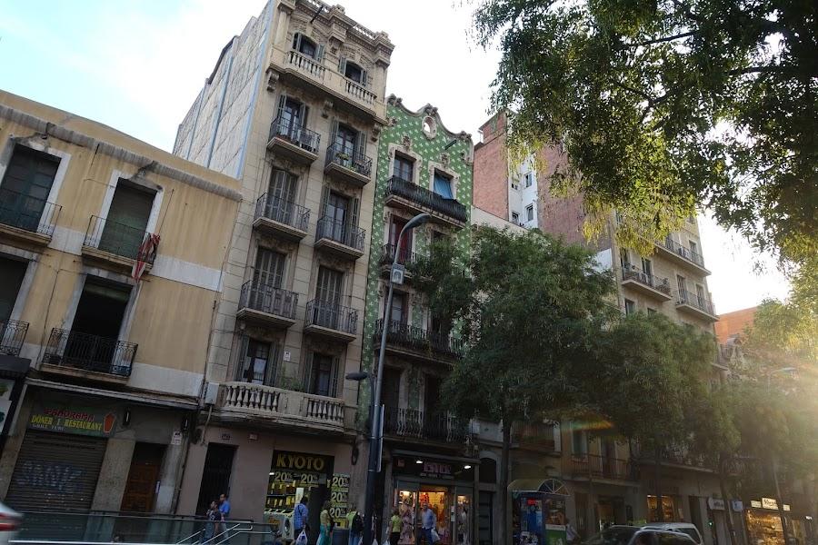 サンス通り(Carrer de Sants)