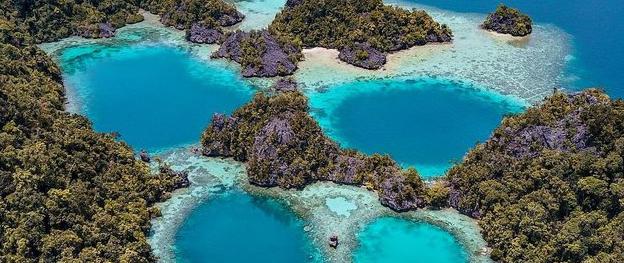 Pesona Pulau Sombori Raja Ampat