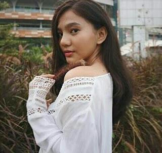 Profil Biodata dan Foto Foto Abg Cantik Imut hot seksi Afifah Ifah'nda bff best friends forever