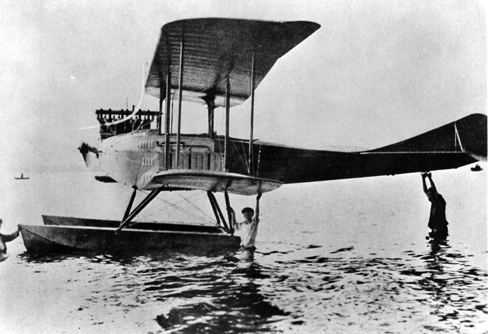 German hydroplane, ca. 1918.