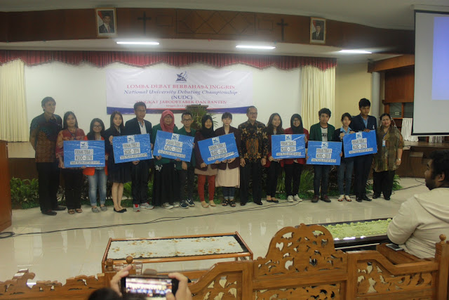 Tim Debat UHAMKA Juara 10 Dalam Lomba Debat Bahasa Inggris NUDC 2016 KOPERTIS III Sejabodetabek Dan Banten - EDS UHAMKA #6