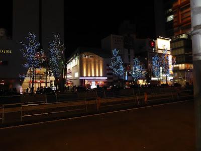 御堂筋のイルミネーション 水都ブルー(梅田~梅田新道)