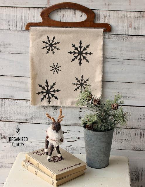 DIY Easy Snowflake Decor #oldsignstencils #stencil #snowflake #Christmasdecor #winterdecor