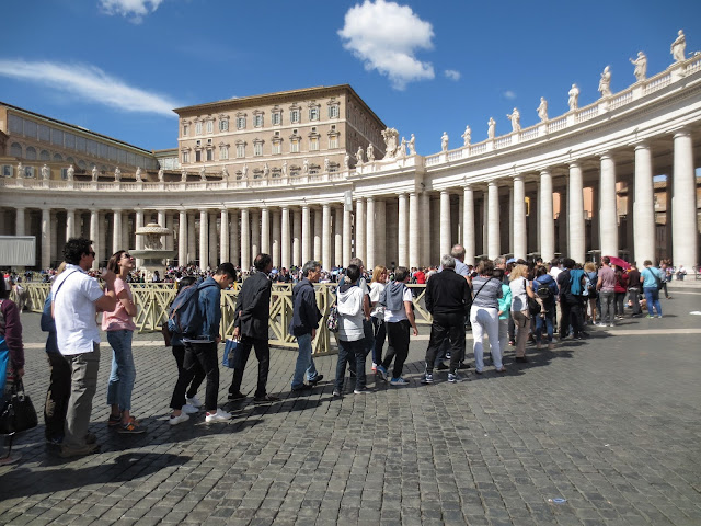 Vatican City Queue