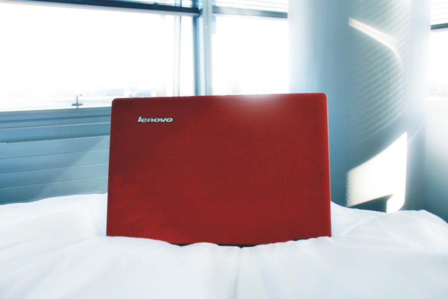 lenovo yoga laptop travel