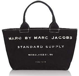 a967e6d76a5ad Foi então que ele, ainda em 1993, resolveu fundar a Marc Jacobs  International para cuidar dos interesses e expansão de sua marca nos  Estados Unidos e em ...