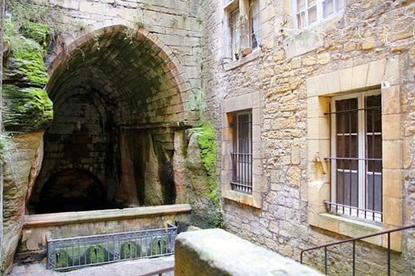 Fuente de Santa María (Sarlat la Cáneda, Francia)