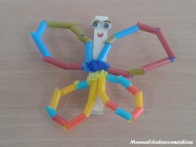 Mariposa-con-pajitas-pinzas-y-limpipapipas