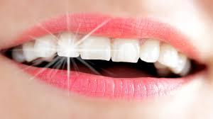 ابتسمي بأسنان بيضاء وناصعة