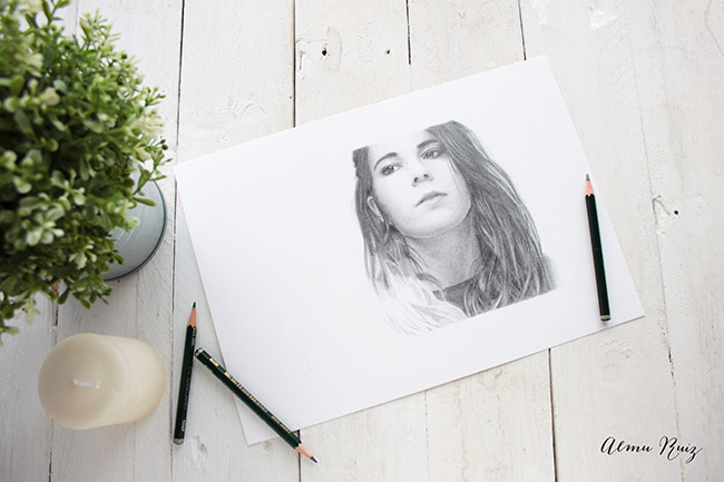 Retrato realista dibujado a lápiz