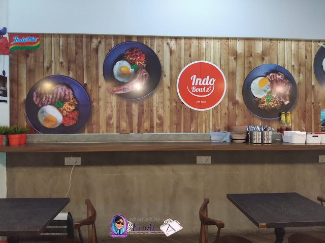 MENIKMATI INDOMIE DI INDOBOWL CAFE